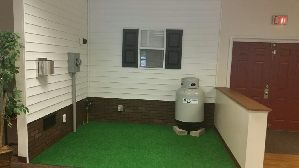 hook up small propane tank to house